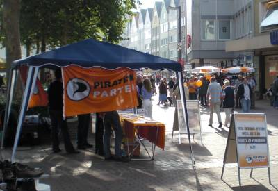 ul-piraten-infostand01